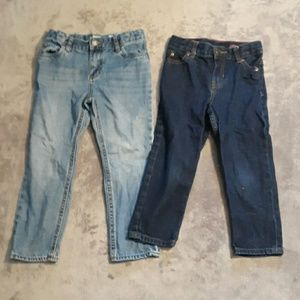 2 pairs of boys Carters size 5t straight leg jeans